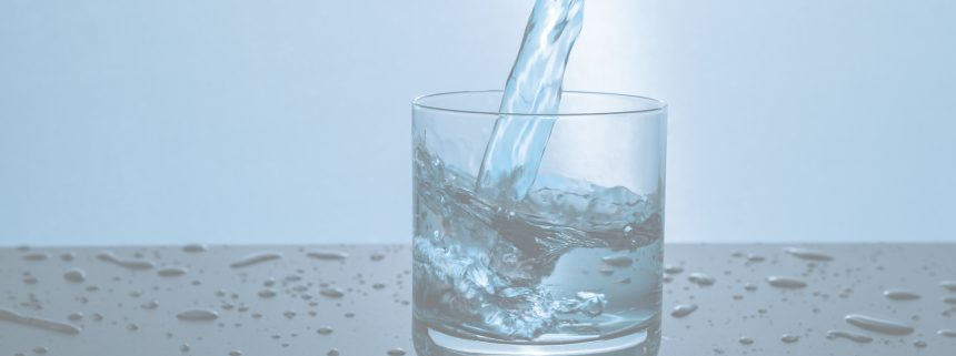 Acqua minerale: Cosa beviamo realmente?
